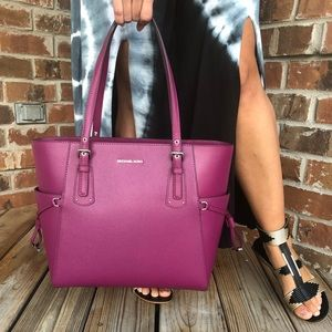 NWT Michael Kors Large Voyager tote